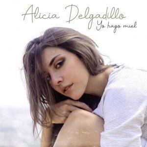 Alicia Delgadillo estrena vídeo de «Yo Hago Miel»